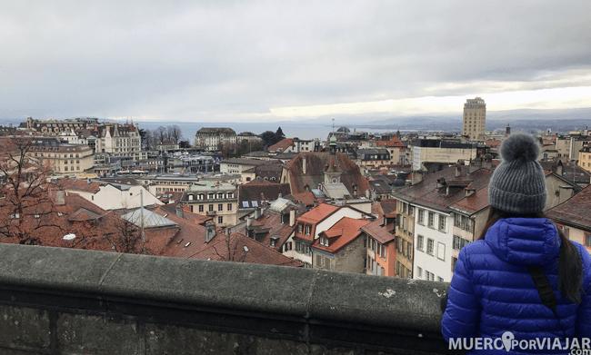 Vistas de la ciudad de Lousanne desde la plaza de la catedral