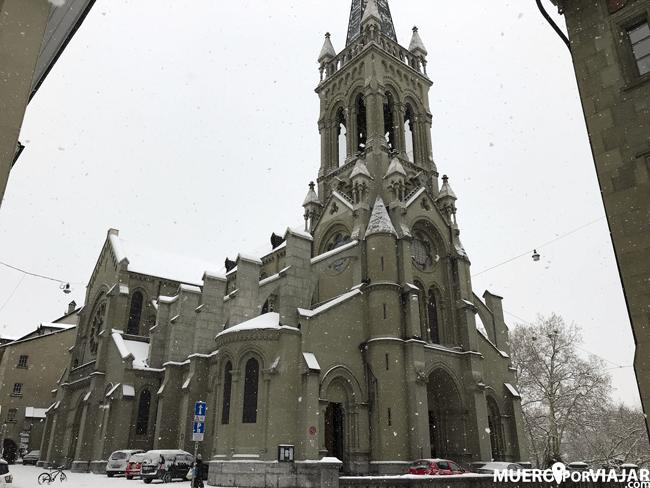 La Iglesia de St. Peter und Paul nevando es, simplemente, espectacular