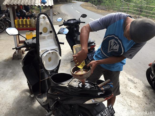Gasolinera en botellas