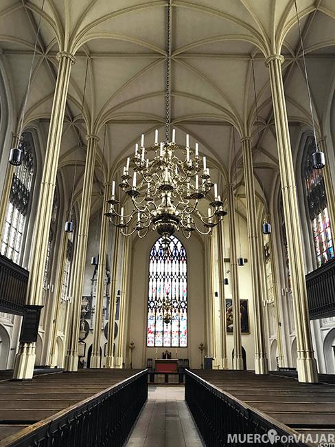 El precioso interior de la iglesia de Santa María en Tetbury