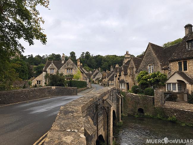 La fotografía más famosa de Castle Combe, la de su precioso puente medieval