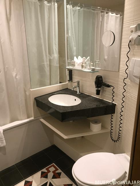 El cuarto de baño estaba muy completo