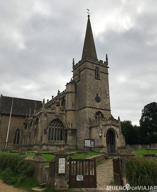 La preciosa iglesia de Lacok en los Cotswolds
