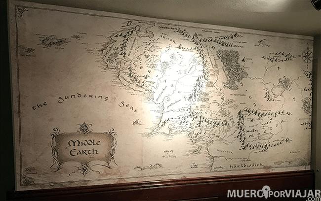 The Bell Inn sirvió como inspiración a JRR Tolkien para crear la famosa posada El Poney Pisador, donde Aragorn se encuentra con los Hobbits
