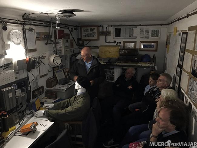 Visitamos el bunker que hay situado al lado de la Broadway Tower