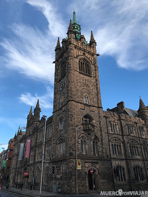 El precioso palacio de congresos de Belfast