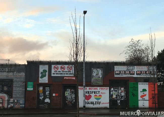 En cada pared o muro de la zona católica de Belfast puedes encontrar murales o pintadas