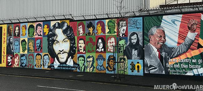 En los murales de Belfast se recuerdan otras causas parecidas a la que defienden