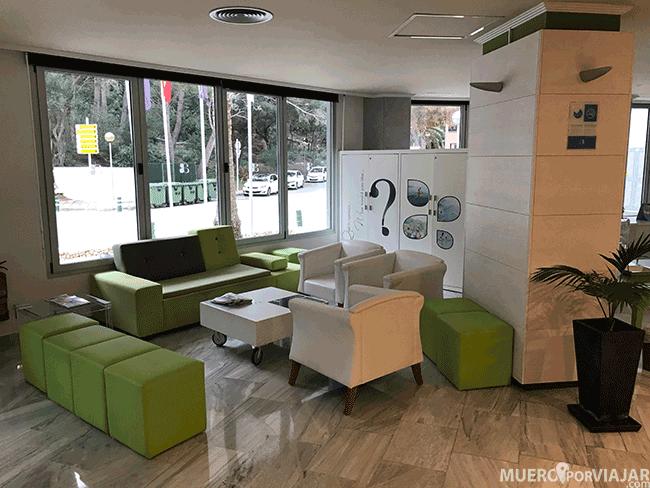 Recepción del hotel Artiem Audax en Menorca