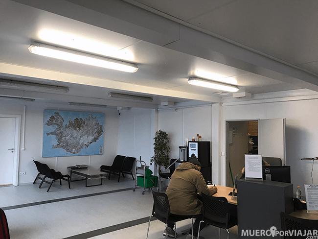 Oficina de Lagoon rent a car en el aeropuerto de Reikiavik