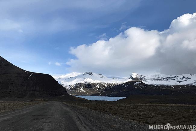Carretera sin asfaltar en Islandia