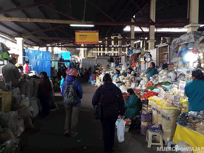 Paseando por un mercado en Cusco