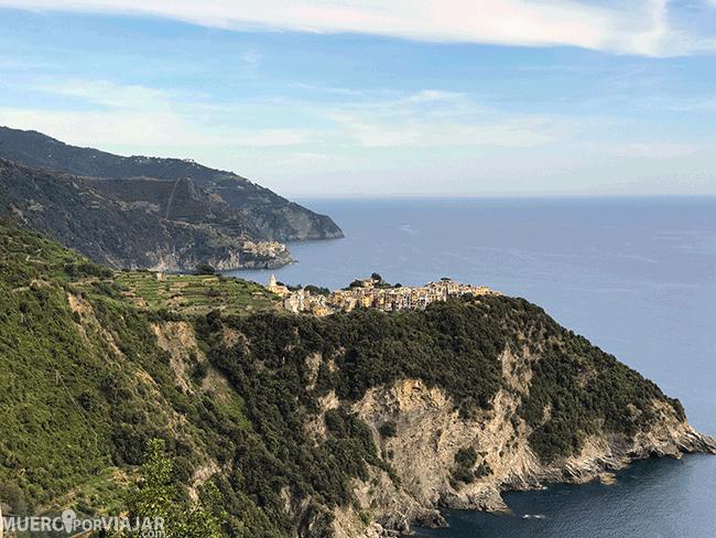 Corniglia desde el sendero al que se accede desde Vernazza
