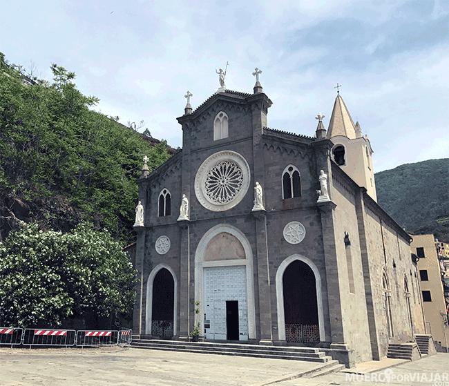 La iglesia de San Juan Bautista en Riomaggiore