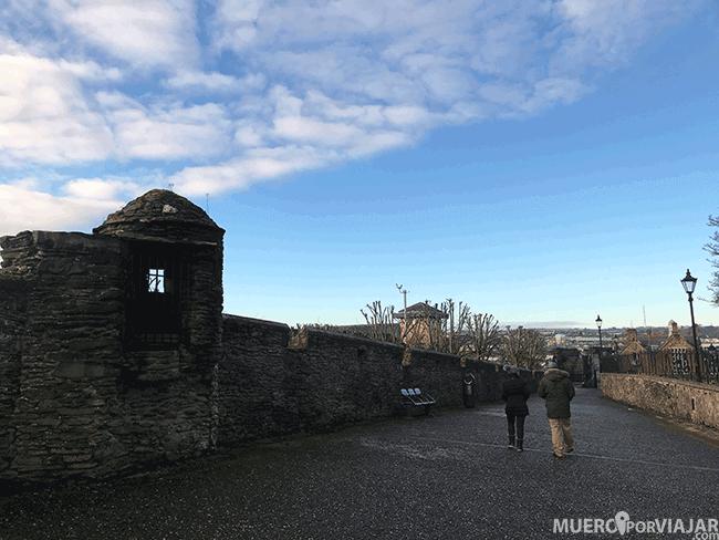 Paseando por las murallas de Derry