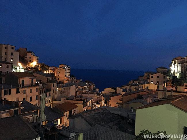 Riomaggiore al anochecer, Cinque Terre