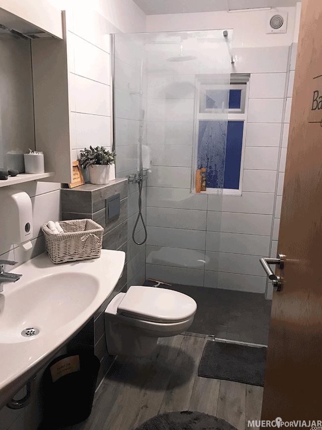 El baño común en la guesthouse Carina en Vík - Islandia