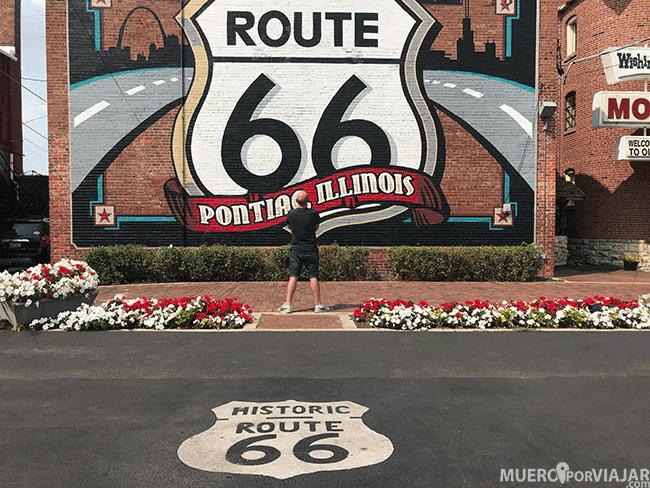 El famoso mural de Route 66 en Pontiac, Illinois