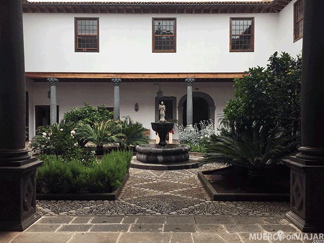 El patio interior de Casa de Montañez