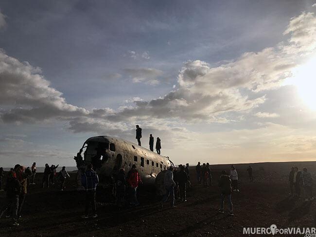 Turismo en el avión abandonado DC-3