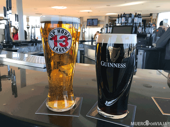 Cervezas en el Museo Guinness de Dublín