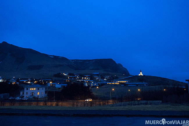 Noche en Vík