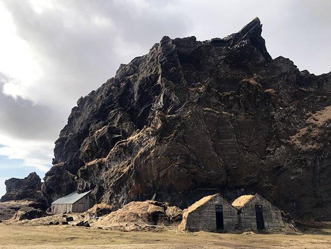 Una de las visitas más curiosas fue el Drangurinn en Islandia