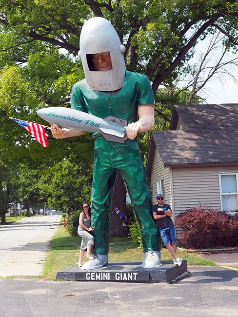 El famoso Gemini Giant en Wilmington, un clásico de la Ruta 66