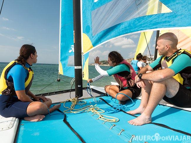 Disfrutando de nuestra salida en Catamarán en el Maresme