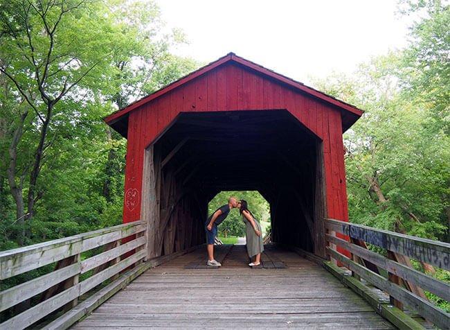Un rincón romántico, el puente Sugar Creek