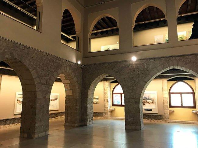 El interior del arco de Santa María