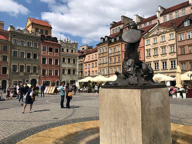 Escultura de la Sirena de Varsovia