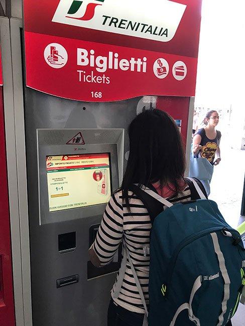 Maquina expendedora de billetes