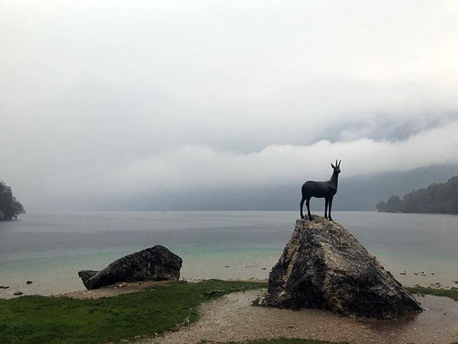 El Lago Bohinj en Eslovenia