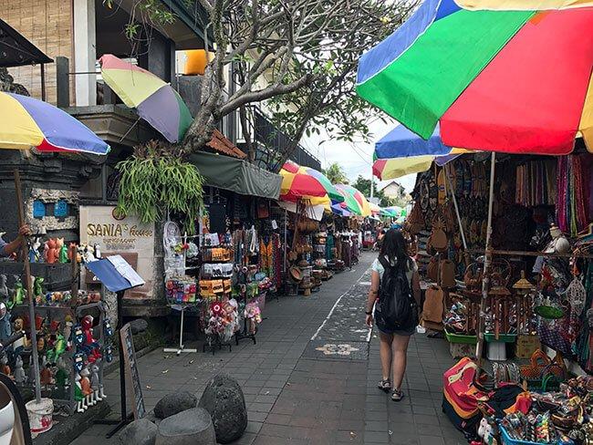 Paseando por el mercado de Ubud