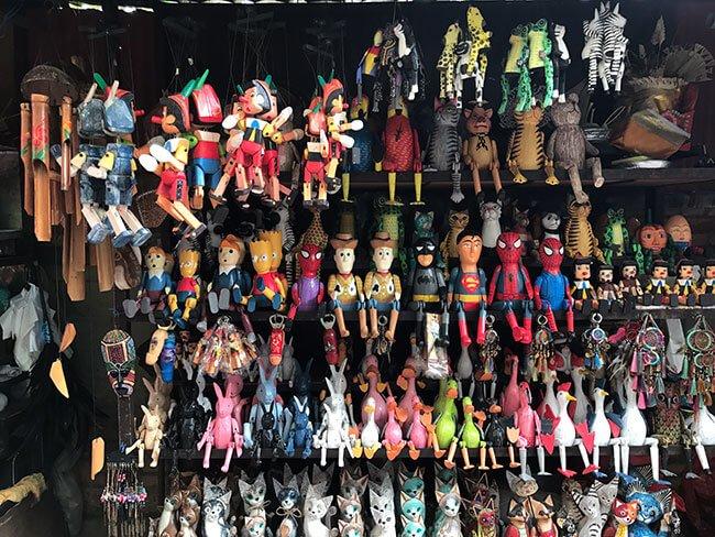 En el mercado de Ubud puedes encontrar juguetes, comida o ropa