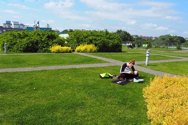 Los jardines de la azotea dela universidad de Varsovia, un lugar tranquilo en el que aprender