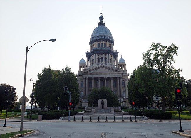 En la ciudad de Springfield encontramos el Parlamento de Illinois