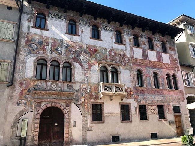 Se conservan fachadas de la época de mayor esplendor