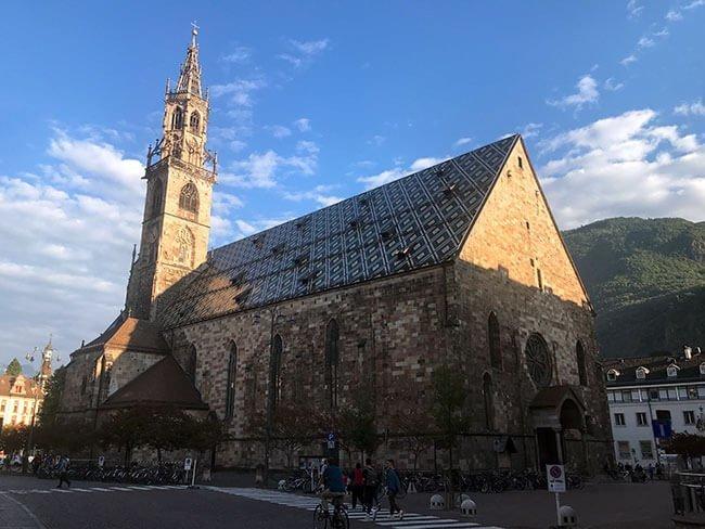 La catedral de Bolzano construida en el siglo XII