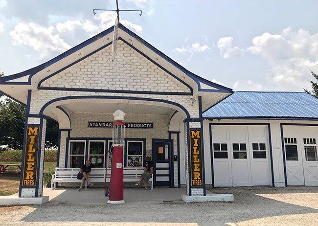 Una de las muchas gasolineras chulas que encuentras en la Ruta 66 es la Standard Oil Gas Station en el pueblo de Odell
