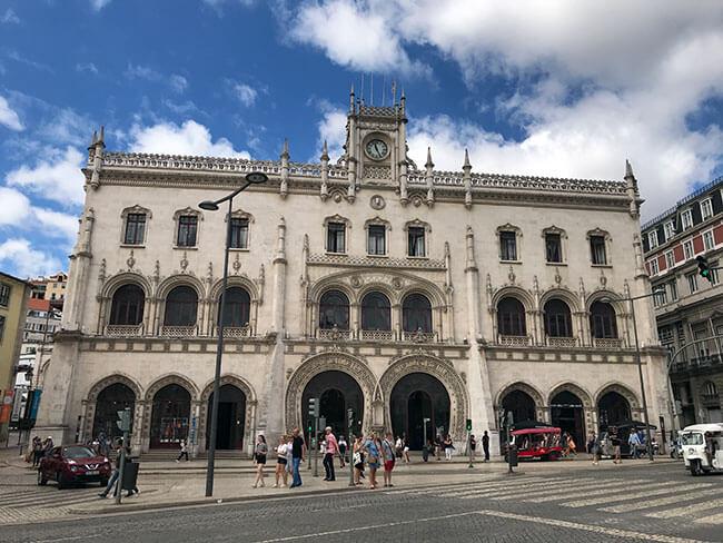 La bonita estación de Rossio en Lisboa
