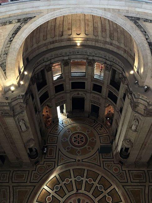 Interior del Panteón Nacional