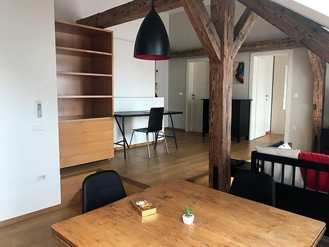 El apartamento es ideal para visitar la ciudad ya que al estar en el centro tienes acceso a todas las partes más importantes