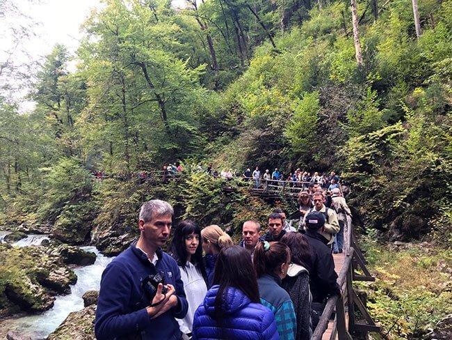 El primer contacto con las gargantas de Vintgar ya nos hacia ver que iba a ser un paseo concurrido - Eslovenia