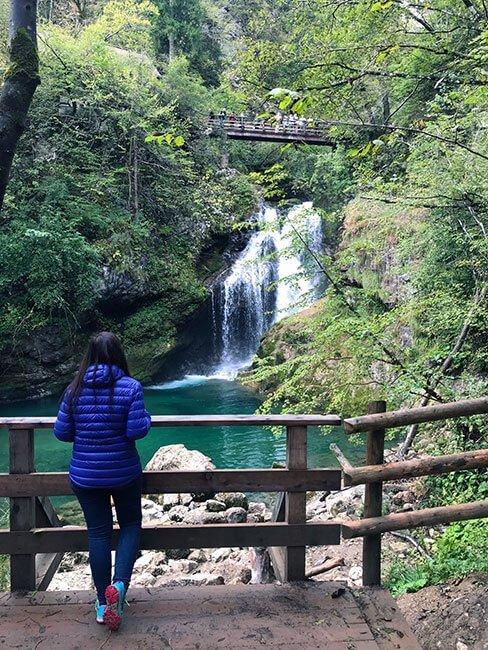 El paseo por las gargantas de Vintgar es muy bonito y recomendable para sentir la conexión con la naturaleza - Eslovenia