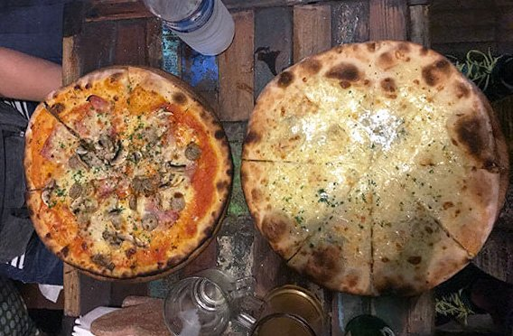 Pizzas en el Warung Citta Ovest (Ubud, Bali)