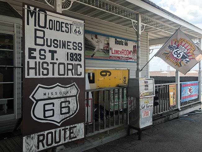 Viendo la entrada de la tienda Totem Pole Trading Post ya sabes que vas a entrar en un pedazito de historia de la Ruta 66