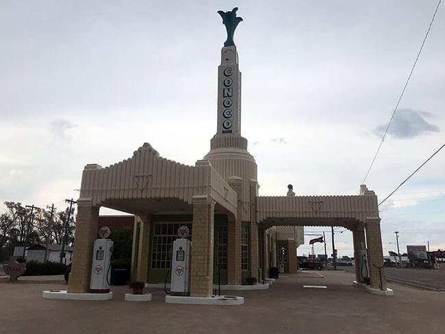 La Conoco Tower Station en la Ruta 66 que ha servido de inspiración a películas, como por ejemplo Cars de Pixar