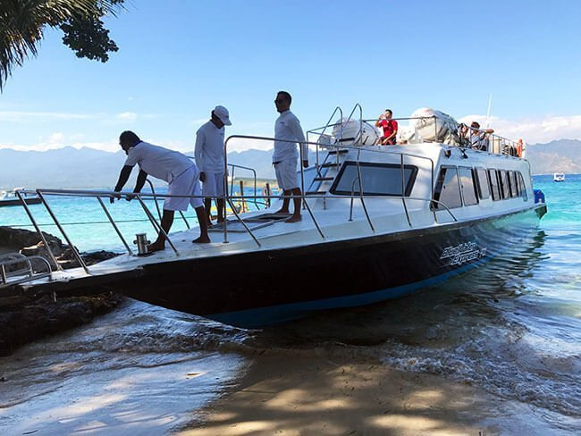 El barco Blue Water Express que nos llevó a las Islas Gili en Indonesia